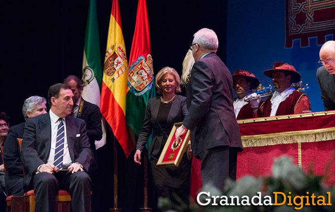 Honores-Y-Distinciones-Ciudad-Granada-002-GetlyArce