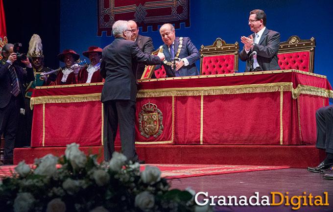 Honores-Y-Distinciones-Ciudad-Granada-003-GetlyArce