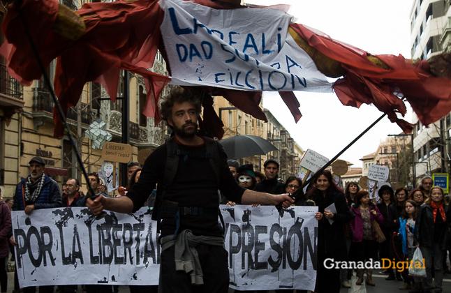 Manifestación a favor titiritieros Gran Vía -11