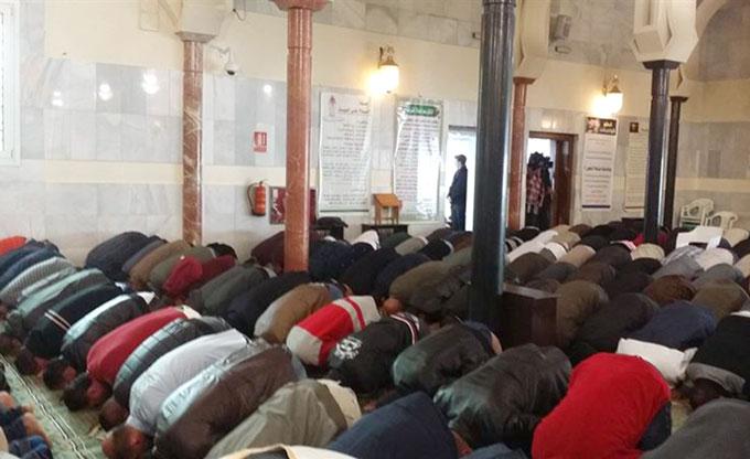 Rezo-musulmanes-mezquita-EP