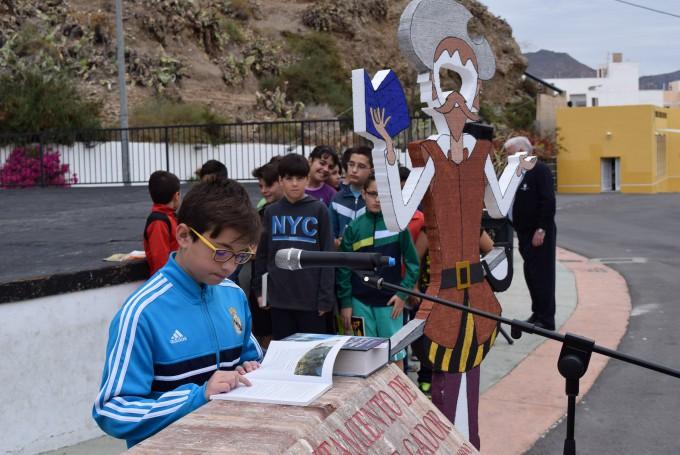 La lectura de El Quijote ha sido la actividad mas destacada  de  la Semana del Libro que se celebra en el municipio gadorense