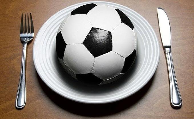 Estadios de fútbol: cómo comer y no morir en el intento