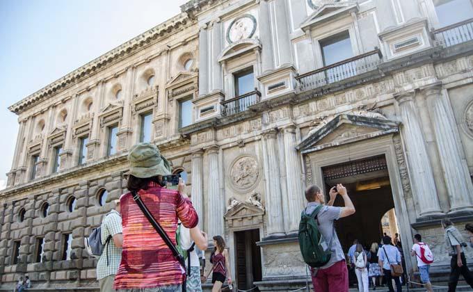 turistas-andalucia