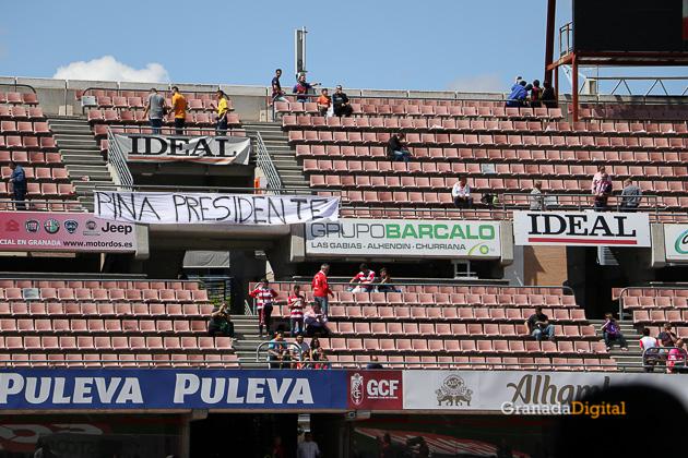 Granada CF - FC Barcelona - Galería Público Grada Afición-3