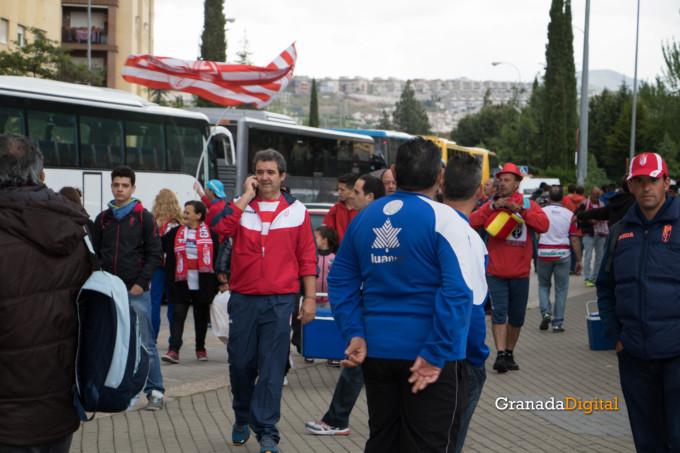 Permancia Granada CF Sevilla Afición salida buses-1