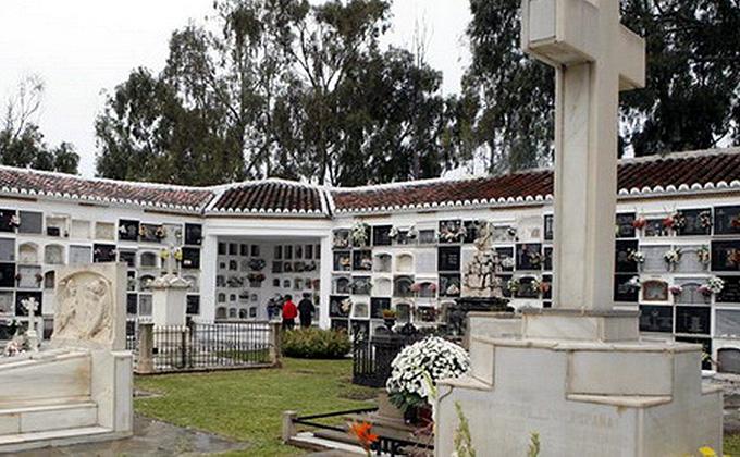 cementerio de motril nichos
