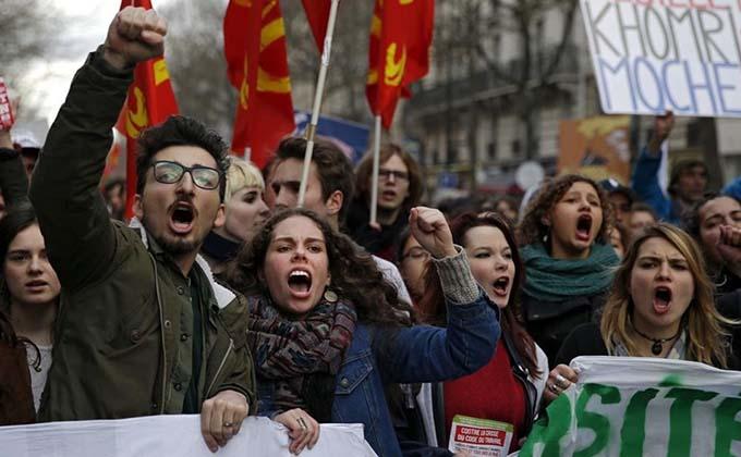 Francia vive hoy paros en el transporte y huelgas contra la refo