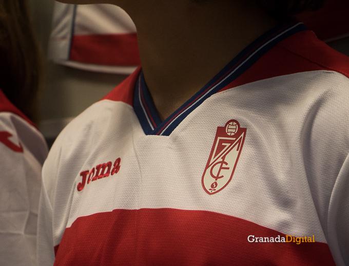 Presentación Primera equipación camiseta Granada CF rojiblanco-15