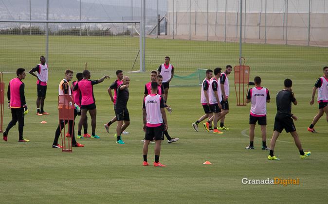 Primer entrenamiento Paco Jémez Granada CF Tito Boga ciudad deportiva-11