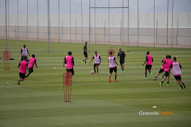Primer entrenamiento Paco Jémez Granada CF Tito Boga ciudad deportiva-13