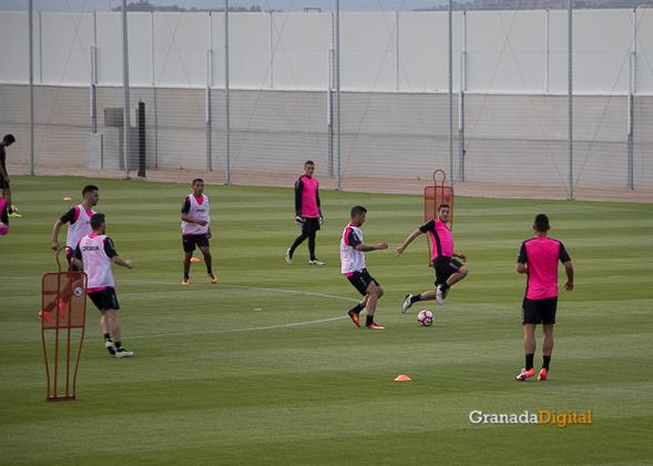 Primer entrenamiento Paco Jémez Granada CF Tito Boga ciudad deportiva-15
