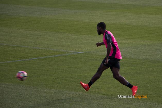Primer entrenamiento Paco Jémez Granada CF Tito Boga ciudad deportiva-5