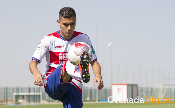 presentacion de Andreas Pereira como nuevo jugador del Granada C