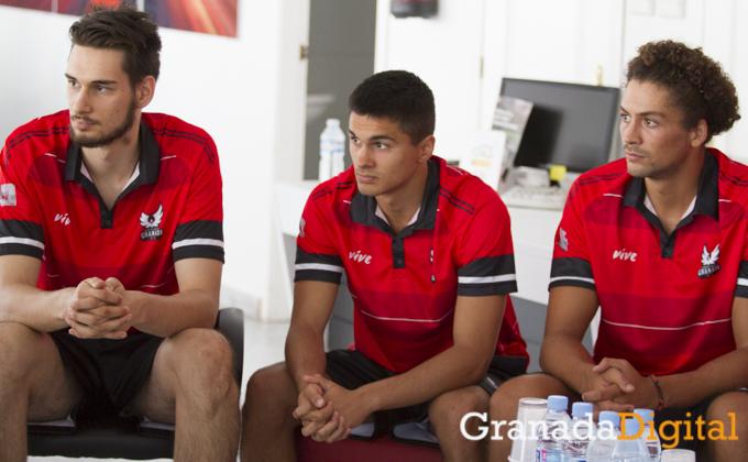 presentacion de los nuevos jugadores de Fundacion Club Baloncesto Granada