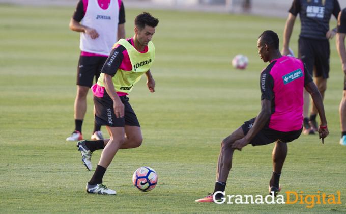 primer entrenamiento de Alberto Bueno como jugador del Granada CF Antonio L Juarez (1)