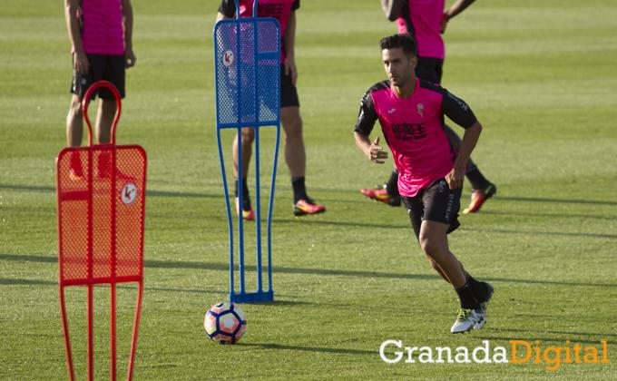 primer entrenamiento de Alberto Bueno como jugador del Granada CF Antonio L Juarez (3)