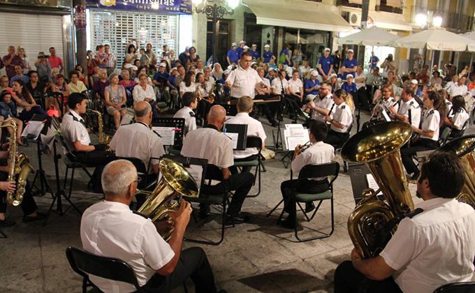banda-municipal-de-musica-de-almunecar-en-concierto
