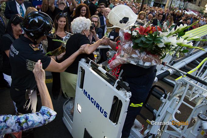 Ofrenda Floral Virgen de las Angustias 2016-44
