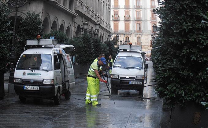 limpieza-calles-granada-cera-patrona