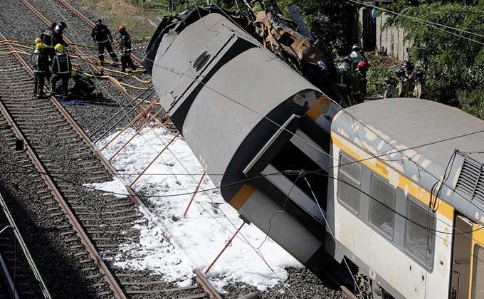 tren-descarrilado-