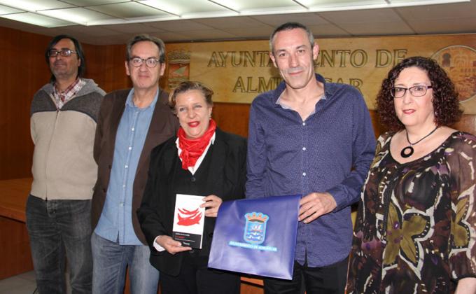 andres-garcia-cerdan-junto-a-la-concejal-de-cultura-y-jurado-16