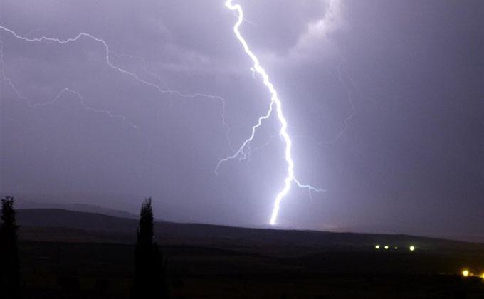 tormenta-trueno-relampago