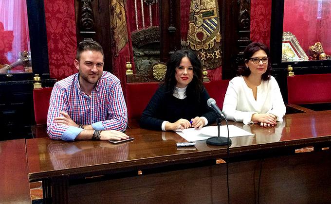 lorena-rodriguez-en-rueda-de-prensa-junto-a-maria-del-mar-sanchez-y-juan-miguel-perea