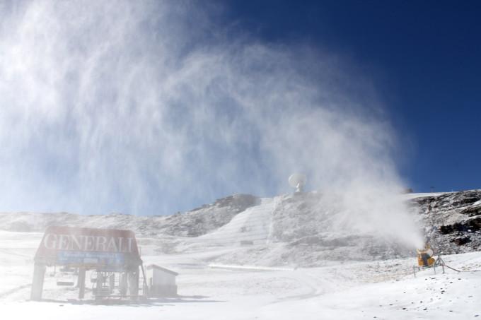 canones-nieve-artificial-sierra-nevada