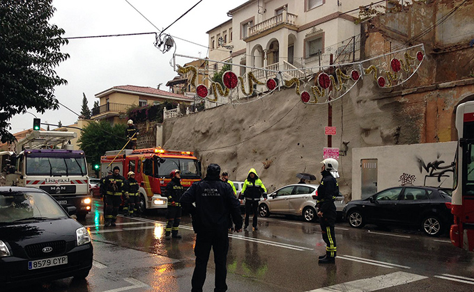 corte-trafico-carretra-sierra-policia-local-bomberos-22-11-2016