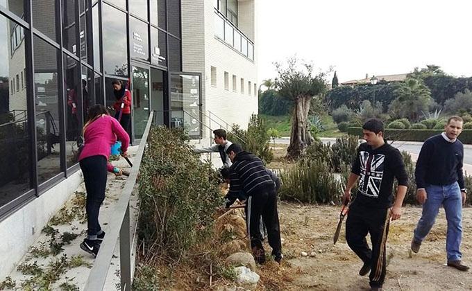 jovenes-trabajo-empleo-limpieza