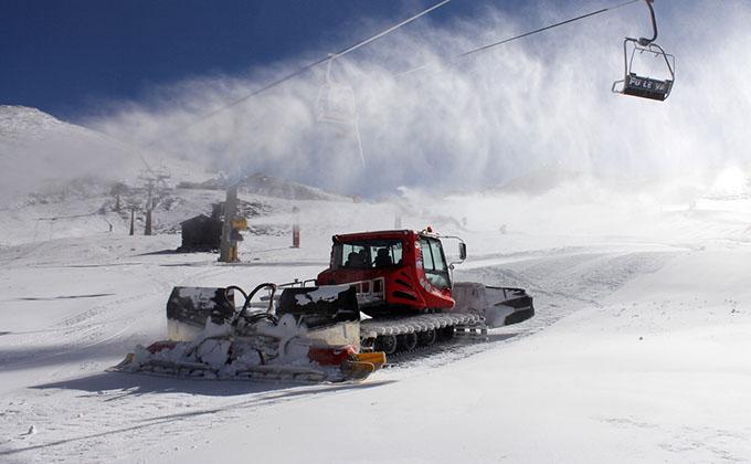 sierra-nevada-nieve-maquina-dos