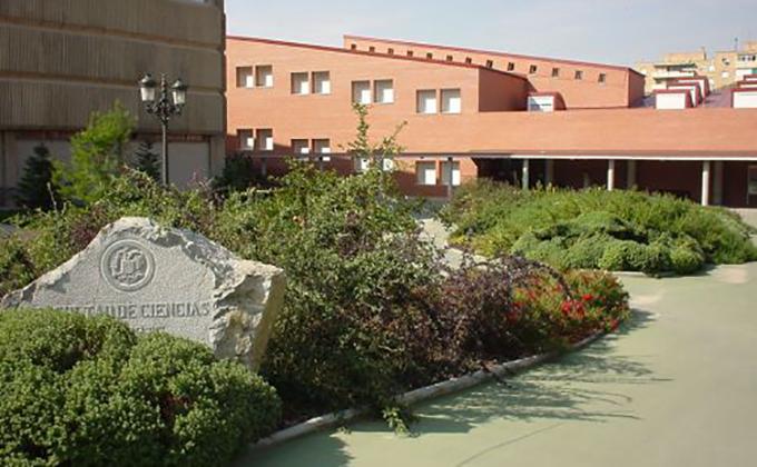 Facultad de Ciencias de la Actividad Física y el Deporte INEF