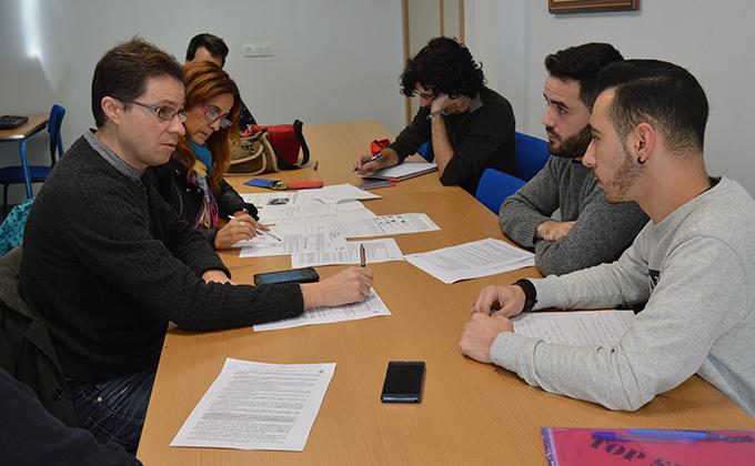 reunion IU con alumnos IES Hermenegildo Lanz