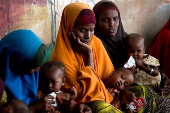 hambruna-pobreza-tercer-mundo-madre-bebe-infancia