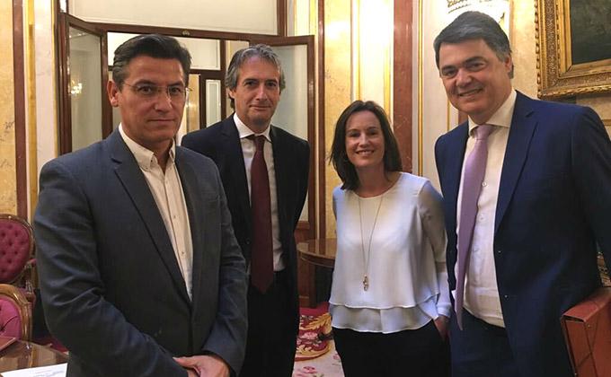 Luis Salvador tras la reunión mantenida con el ministro de Fomento