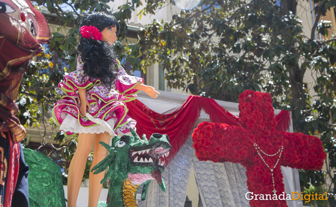 Granada disfruta del Día de la Cruz   Foto: Asun Rodríguez