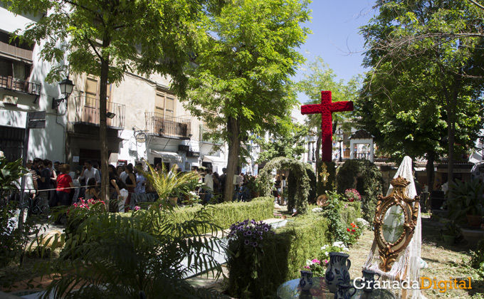 Granada cuenta con 70 cruces distribuidas por la capital   Foto: Asun Rodríguez