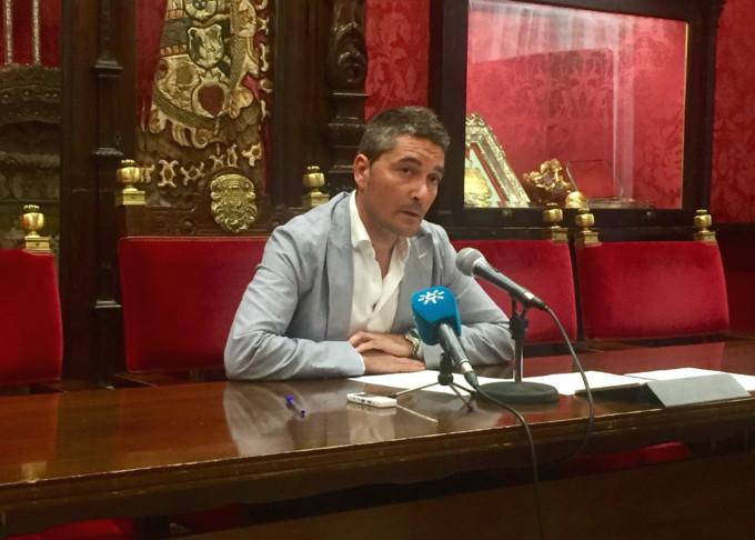 El portavoz de Cs Manuel Olivares en rueda de prensa