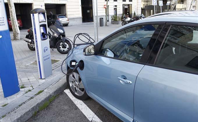 coche-hibrido-electrico
