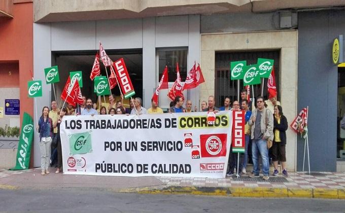 protesta trabajadores correos