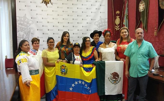 foto desfile hispanidad y mestizaje