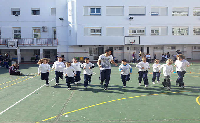 niños colegio deporte