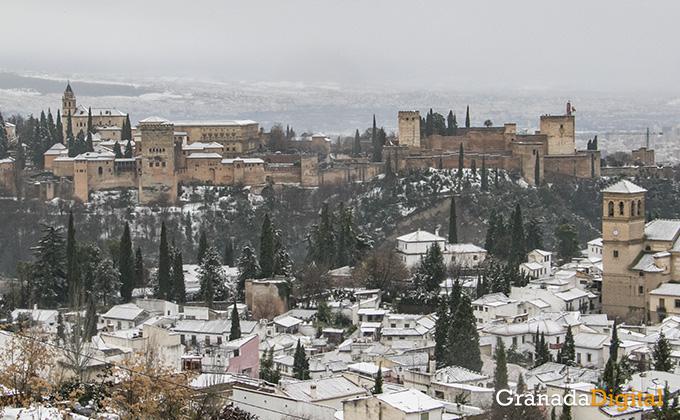 Primera nevada del año en Granada 00