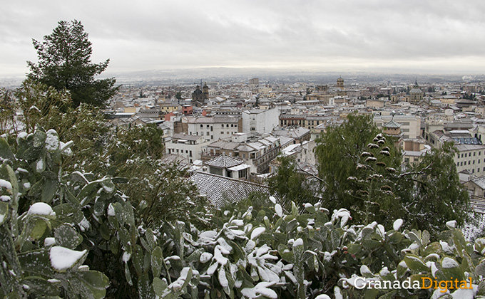 Primera nevada del año en Granada 05
