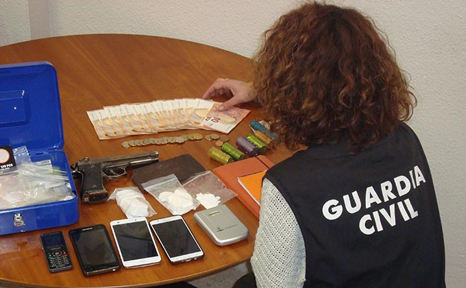 droga castel guardia civil