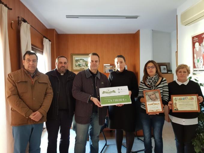 1000 jarras solidarias entrega cheque