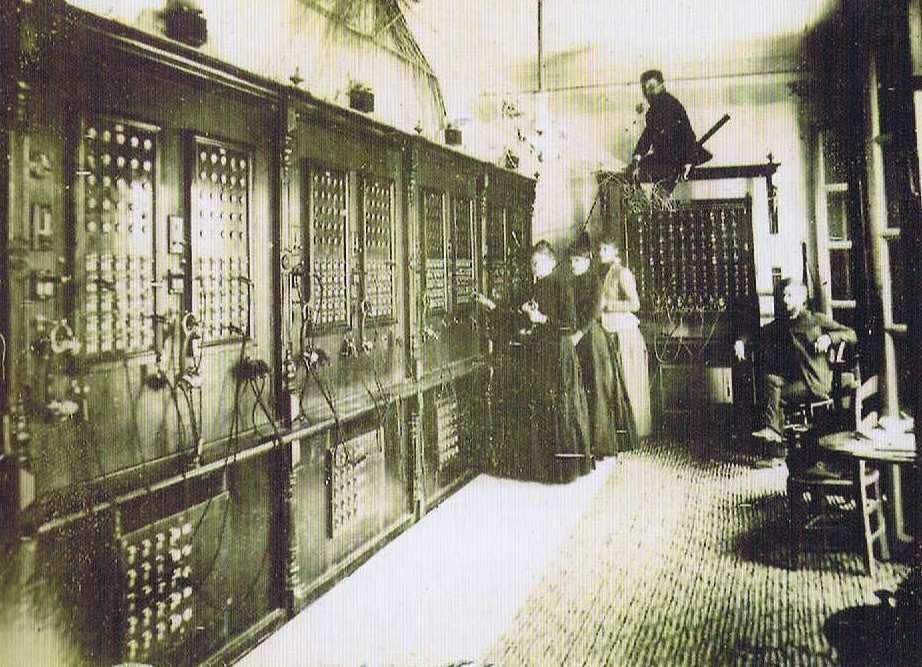 Cuerpo principal de la Central telefónica de la calle Hileras (1)