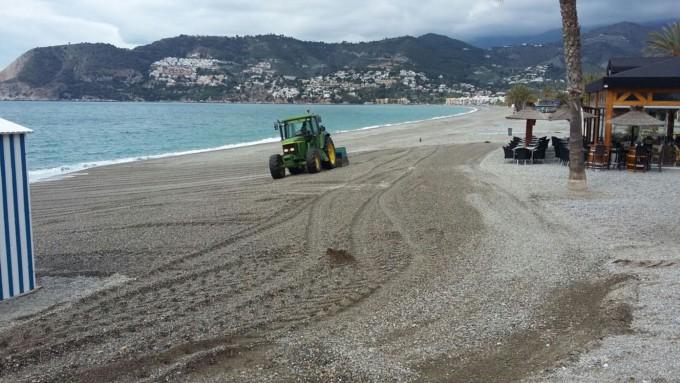 Limpieza temporal playas Almuñécar