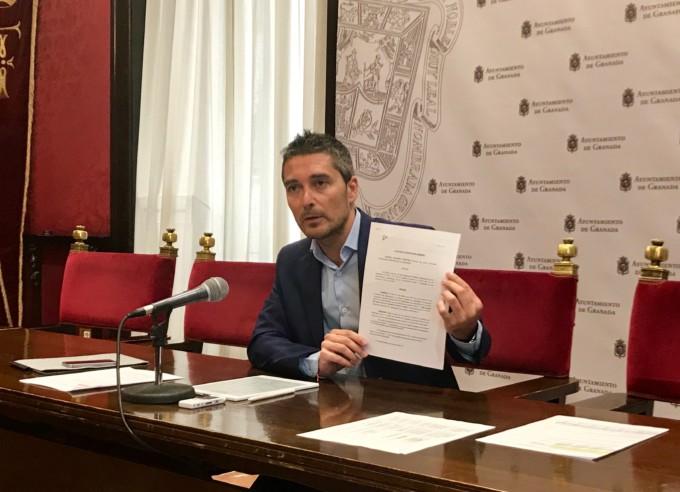 El portavoz del grupo de Cs en el Ayuntamiento de Granada, Manuel Olivares