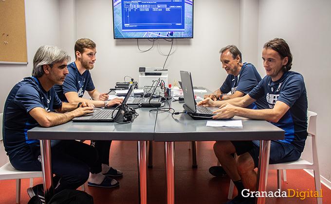 Entrenador Granada CF (11)